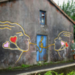 all-the-somethings-azoren-wandern-mural-kuss